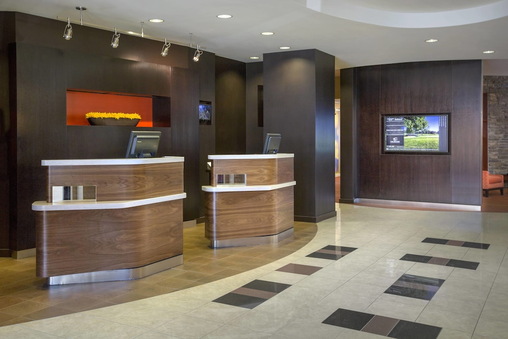 Interior, Courtyard by Marriott Paramus