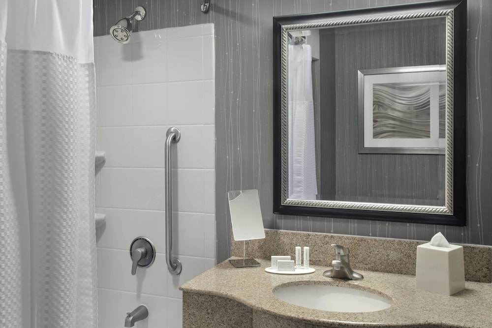 Bathroom, Courtyard by Marriott Paramus