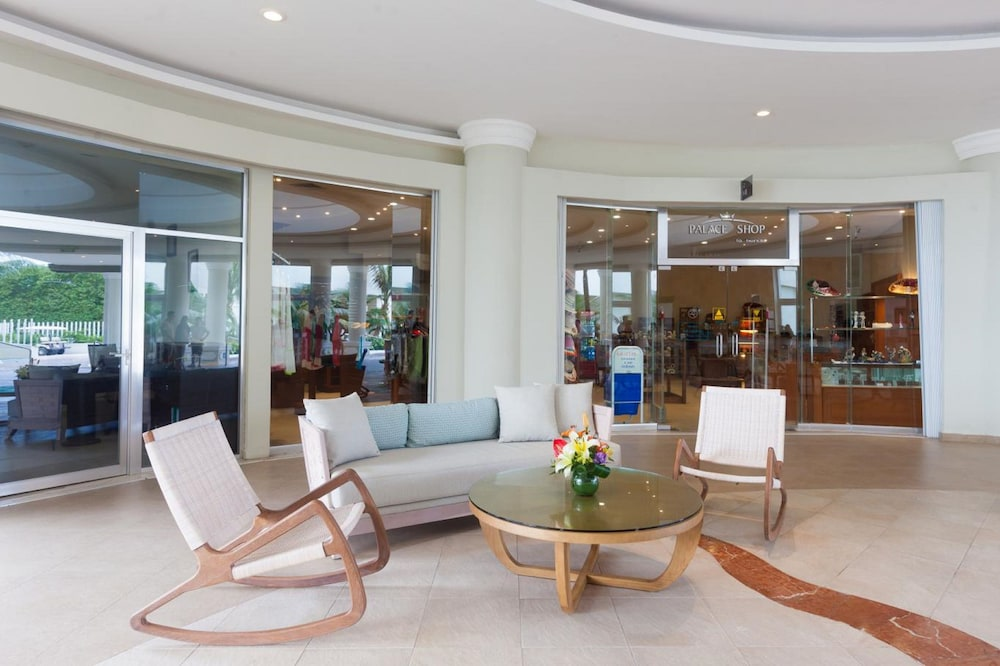 Lobby Sitting Area, Isla Mujeres Palace Couples Only All Inclusive Resort