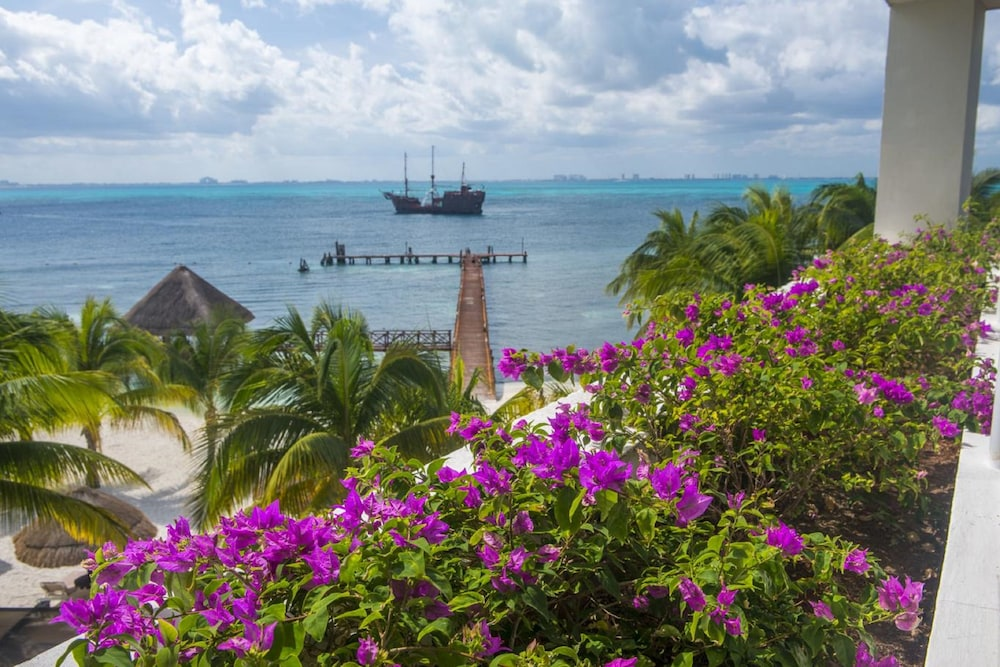 View from Property, Isla Mujeres Palace Couples Only All Inclusive Resort