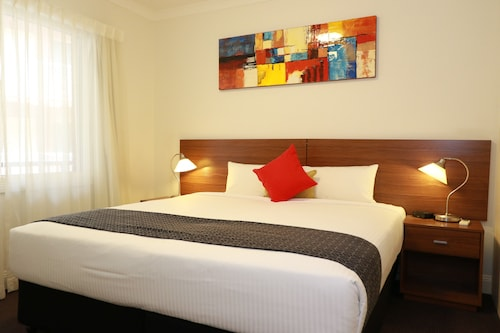 Innstay Serviced Apartments