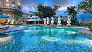 2 kolam renang outdoor