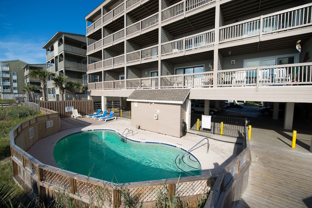 Sea mystique myrtle beach room prices reviews travelocity for Garden city myrtle beach hotels