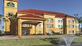La Quinta Inn & Suites Pearland - Pearland Hotels