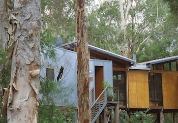 571 Woollamia Road, Woollamia, NSW 2540, Australia.