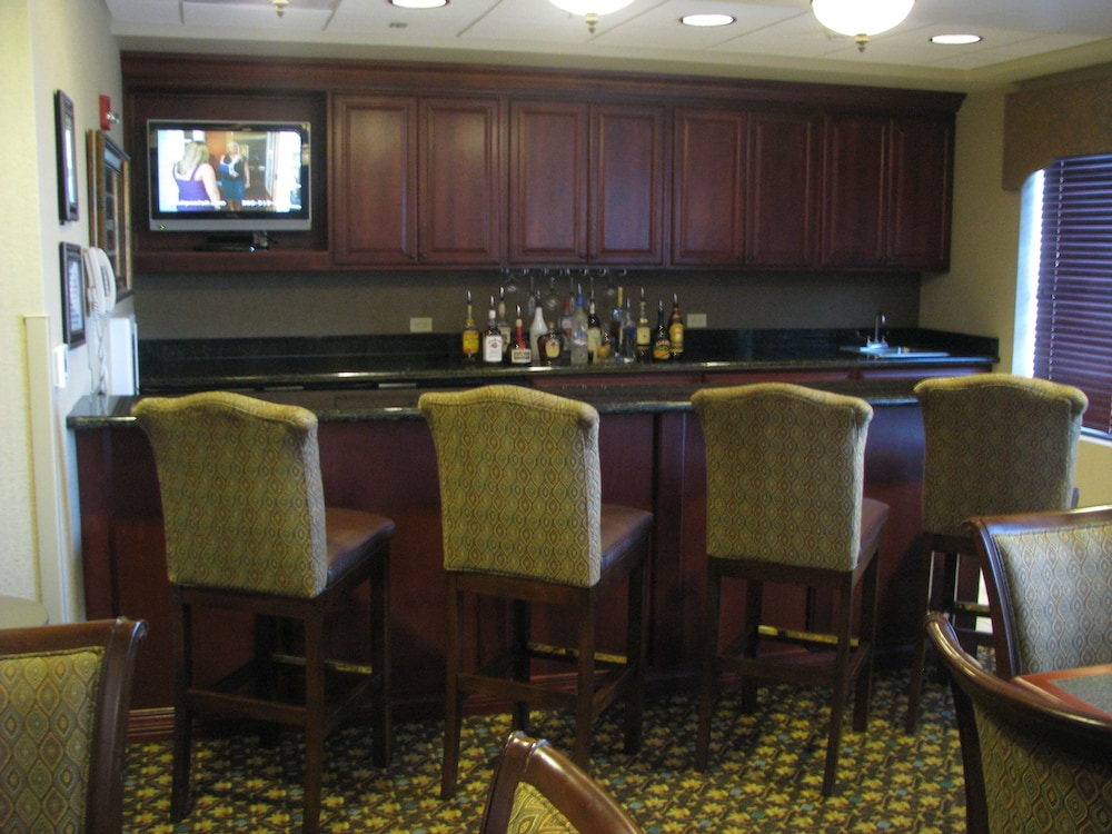 Bar, Wingate by Wyndham Columbia / Lexington