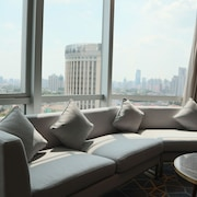 ハワード ジョンソン ファイハイ ホテル上海 (上海嘉豪淮海国际豪生酒店)