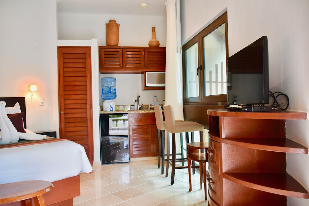 Private Kitchenette, Playa Palms Beach Hotel