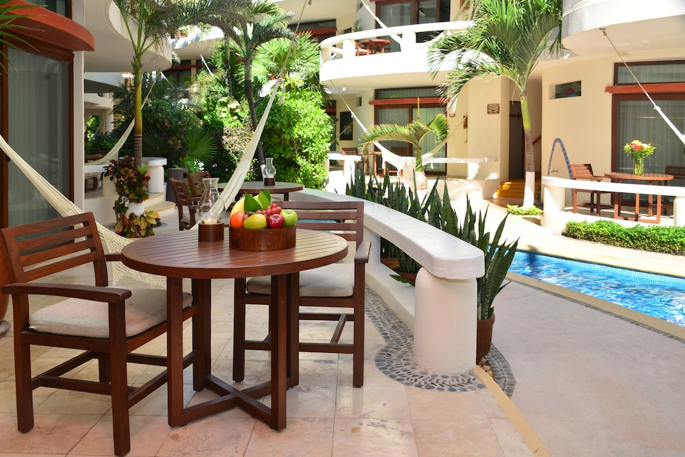Terrace/Patio, Playa Palms Beach Hotel