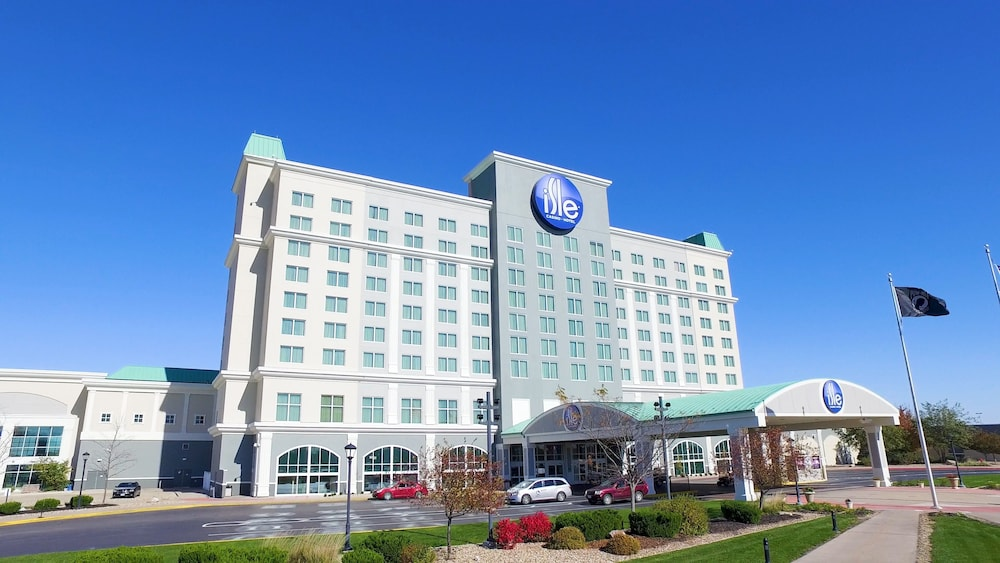 Incredible Isle Casino Hotel Waterloo In Waterloo Hotel Rates Home Interior And Landscaping Spoatsignezvosmurscom