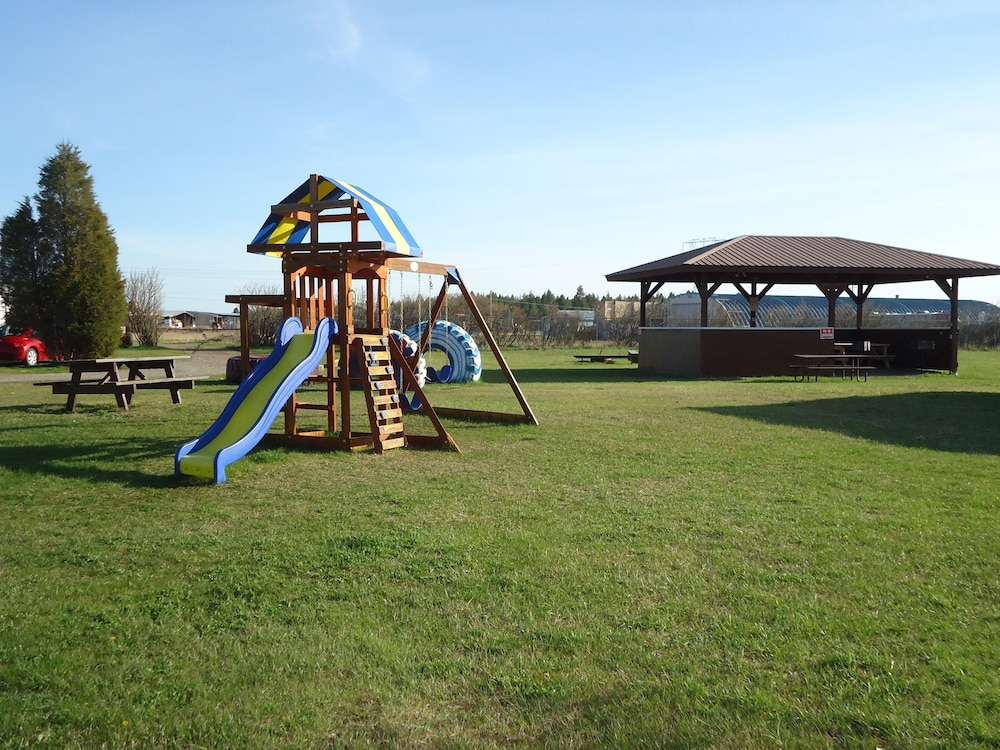 Children's Play Area - Outdoor, Glacier Basecamp Lodge