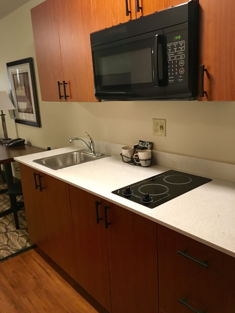 Private Kitchenette, Aspen Extended Stay Suites Kenai