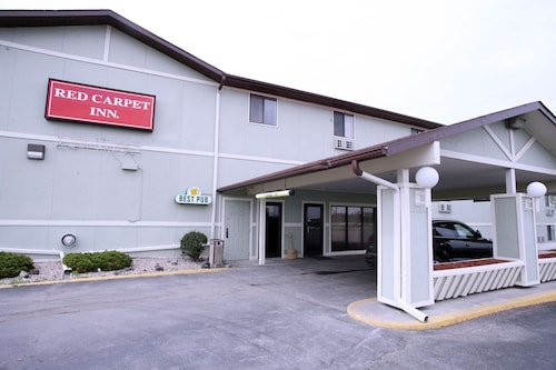 Check Expedia for Availability of Red Carpet Inn Omaha