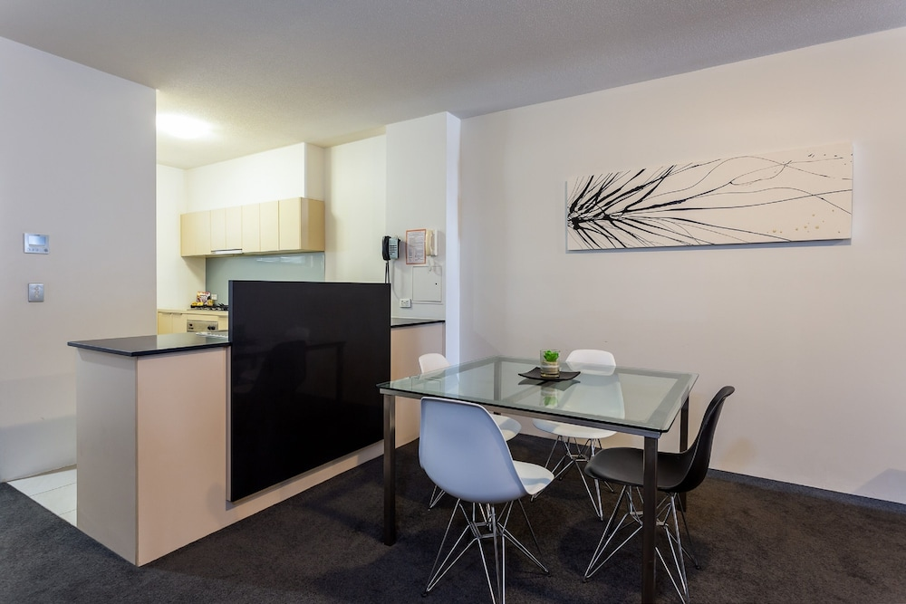 Private Kitchen, Oxygen Apartments
