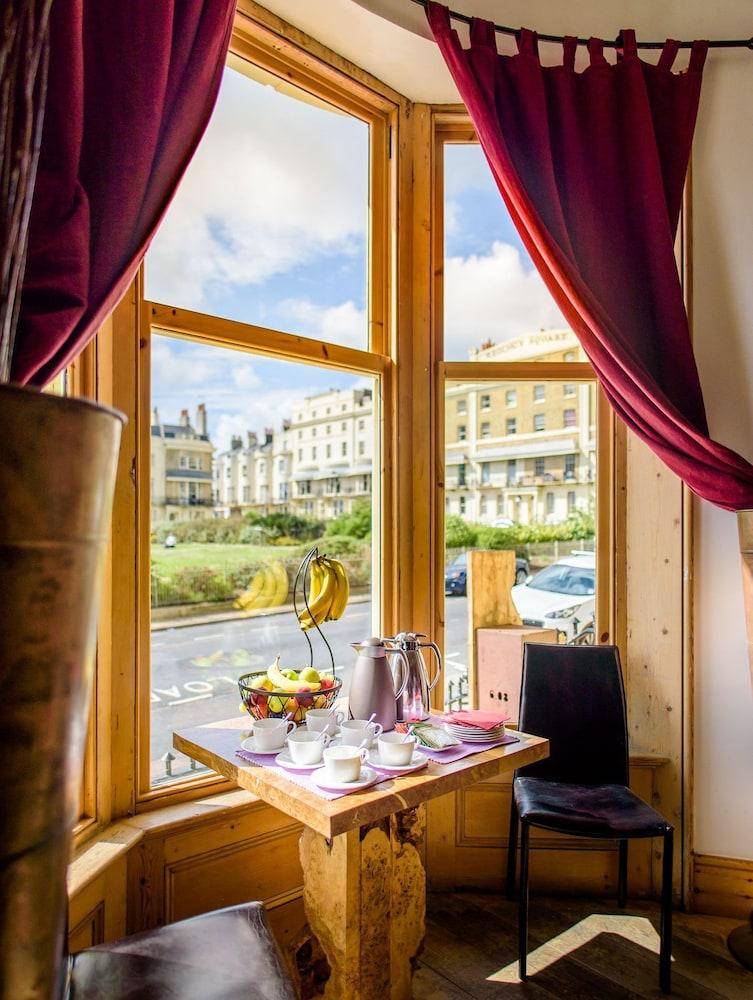 Hotel Una Brighton Reviews
