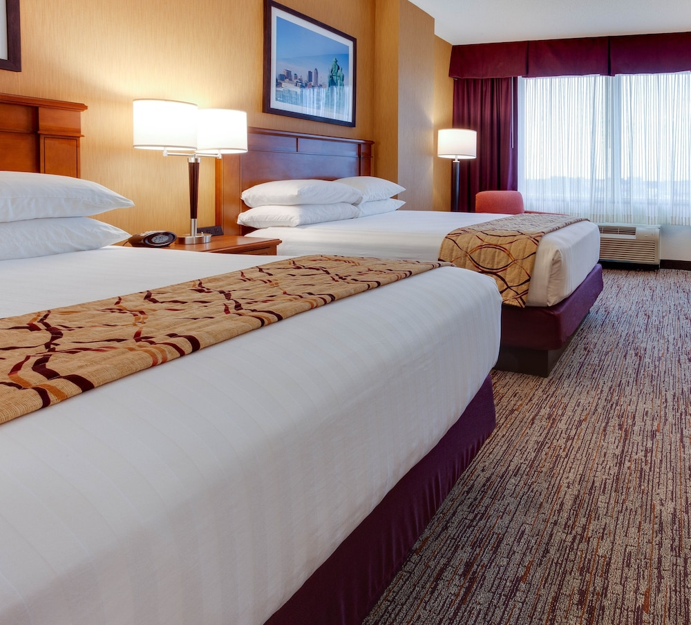 Room, Drury Inn & Suites West Des Moines