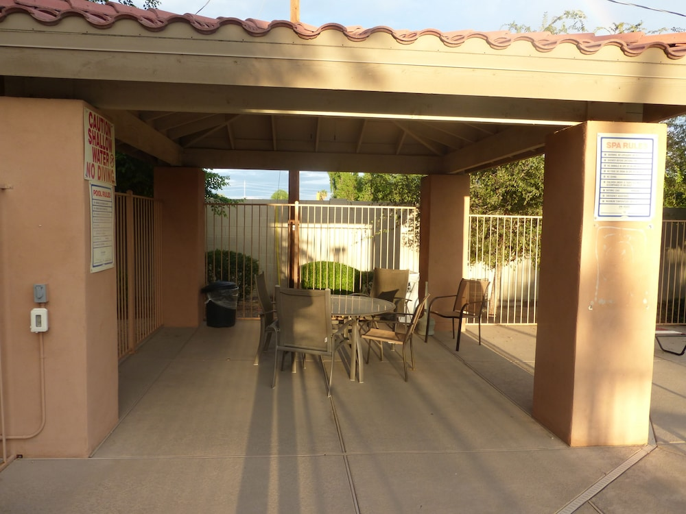 Terrace/Patio, Baymont by Wyndham Mesa Near Downtown