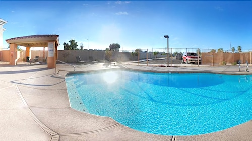 Pool, Baymont by Wyndham Mesa Near Downtown