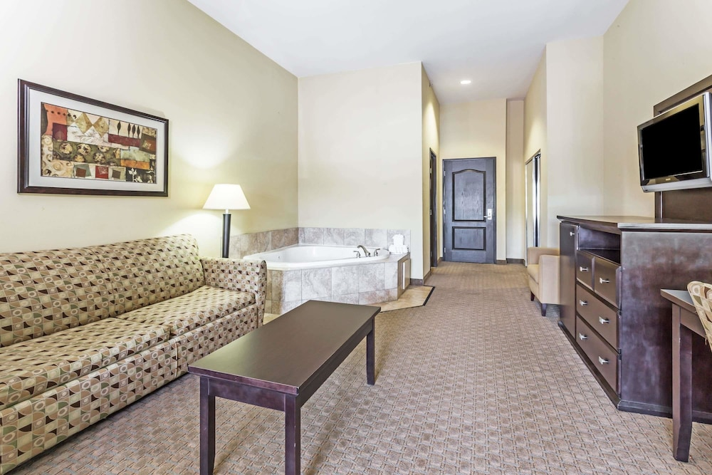 Room, Baymont by Wyndham Mesa Near Downtown