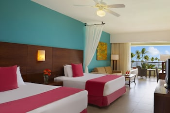 Preferred Club Two Double Beds Partial Ocean View (Resort Access to Now Garden) - Guestroom