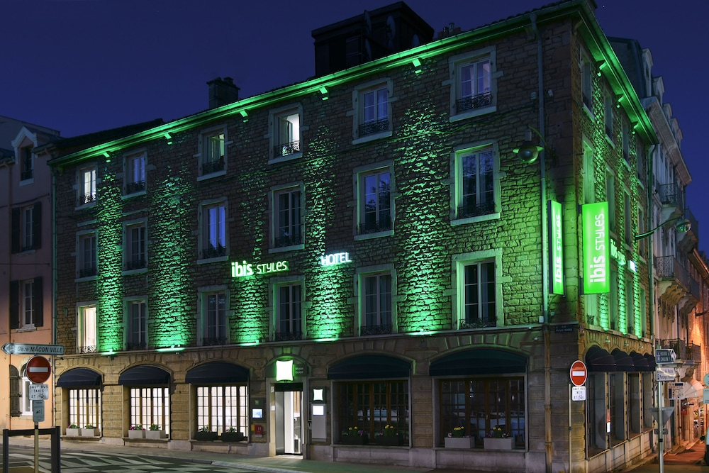 Front of Property - Evening/Night, ibis Styles Macon Centre