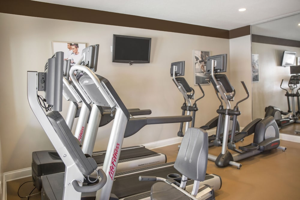 Fitness Facility, The Point Hotel & Suites