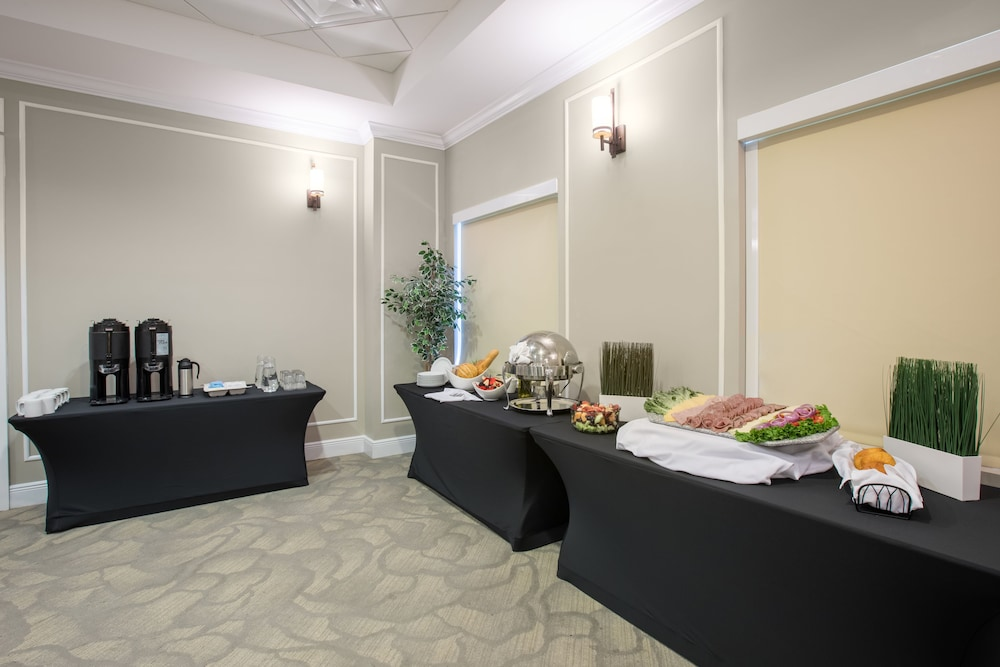 Meeting Facility, The Point Hotel & Suites