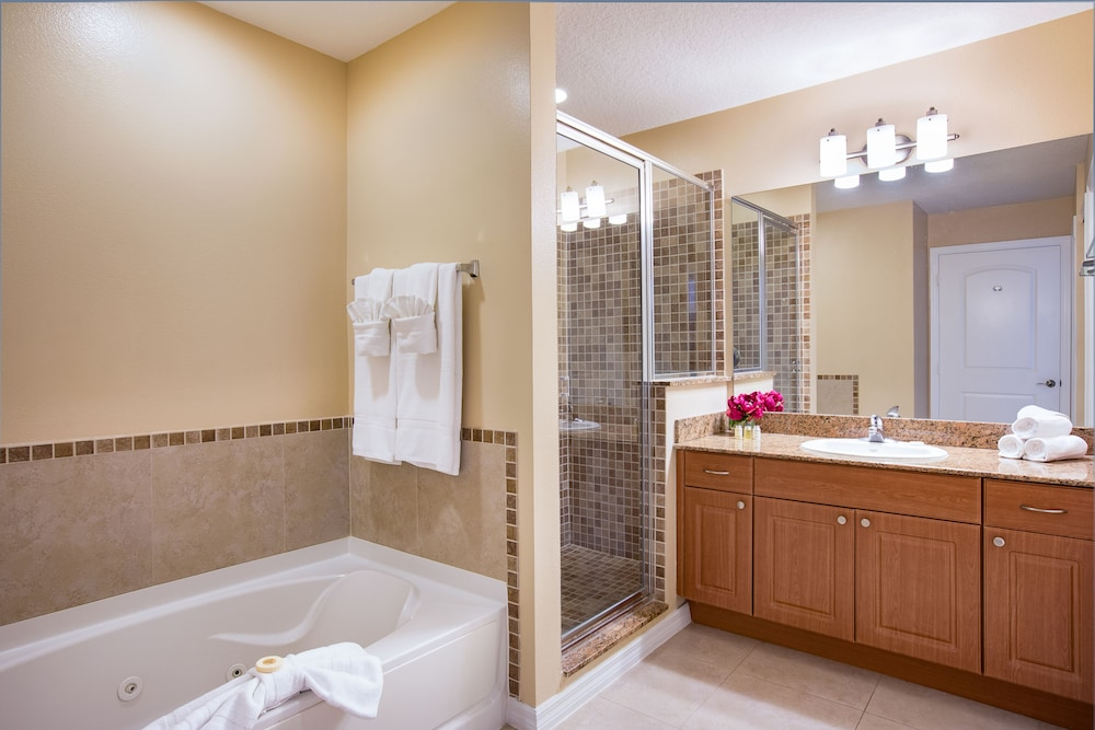 Bathroom, The Point Hotel & Suites