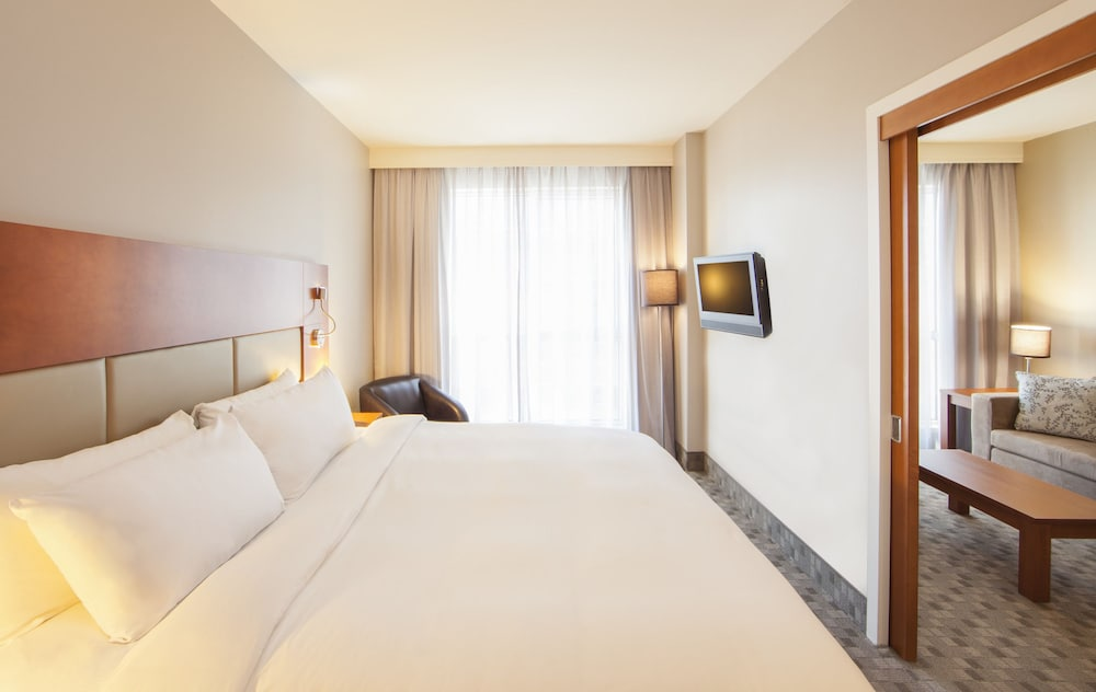 hotel le crystal montreal reviews photos rates. Black Bedroom Furniture Sets. Home Design Ideas