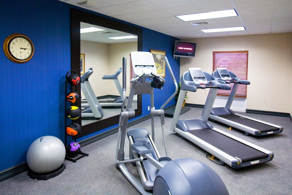Fitness Facility, Hampton Inn & Suites Lake Wales