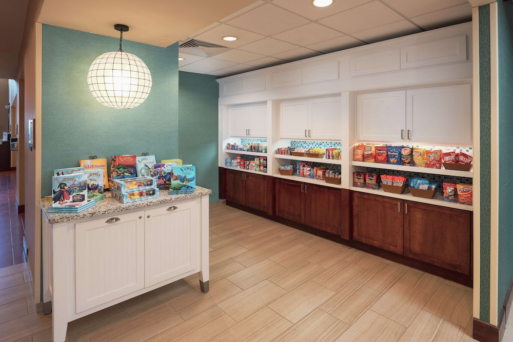 Snack Bar, Homewood Suites by Hilton Virginia Beach/Norfolk Airport