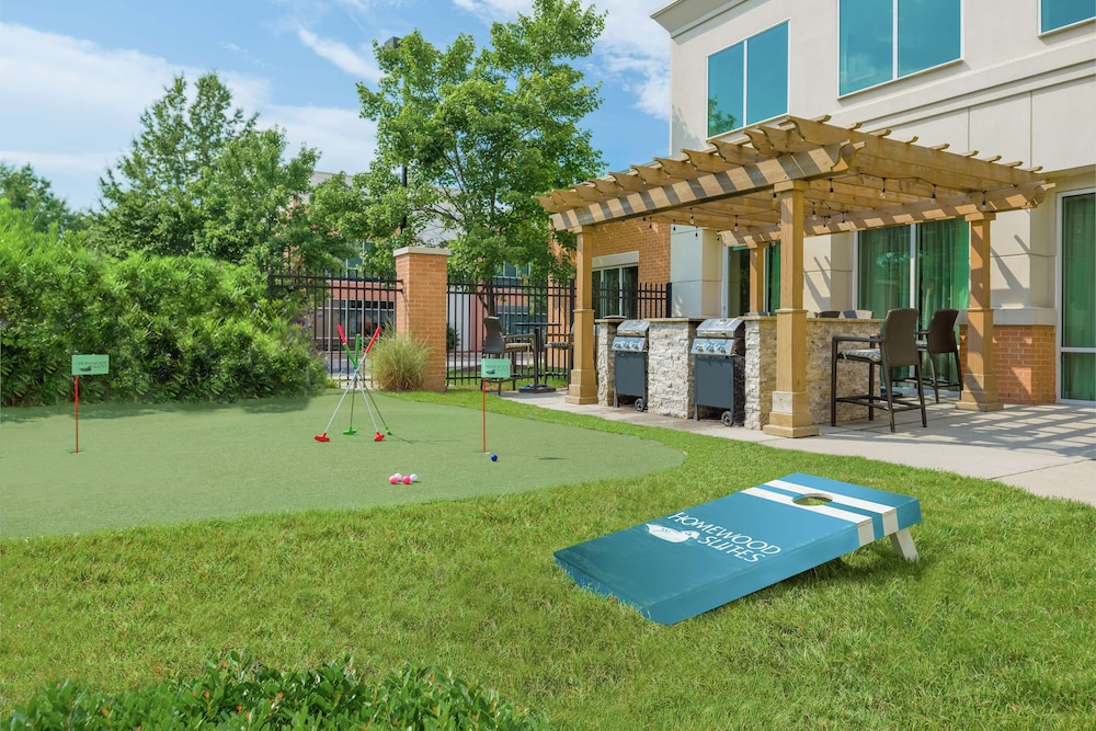 BBQ/Picnic Area, Homewood Suites by Hilton Virginia Beach/Norfolk Airport