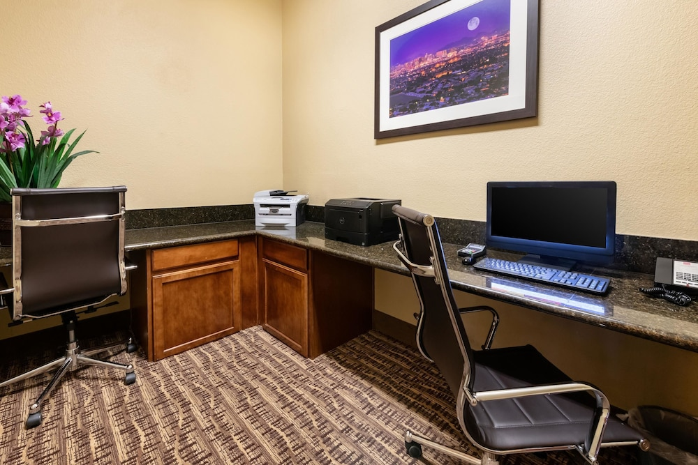 Business Center, Comfort Suites Goodyear