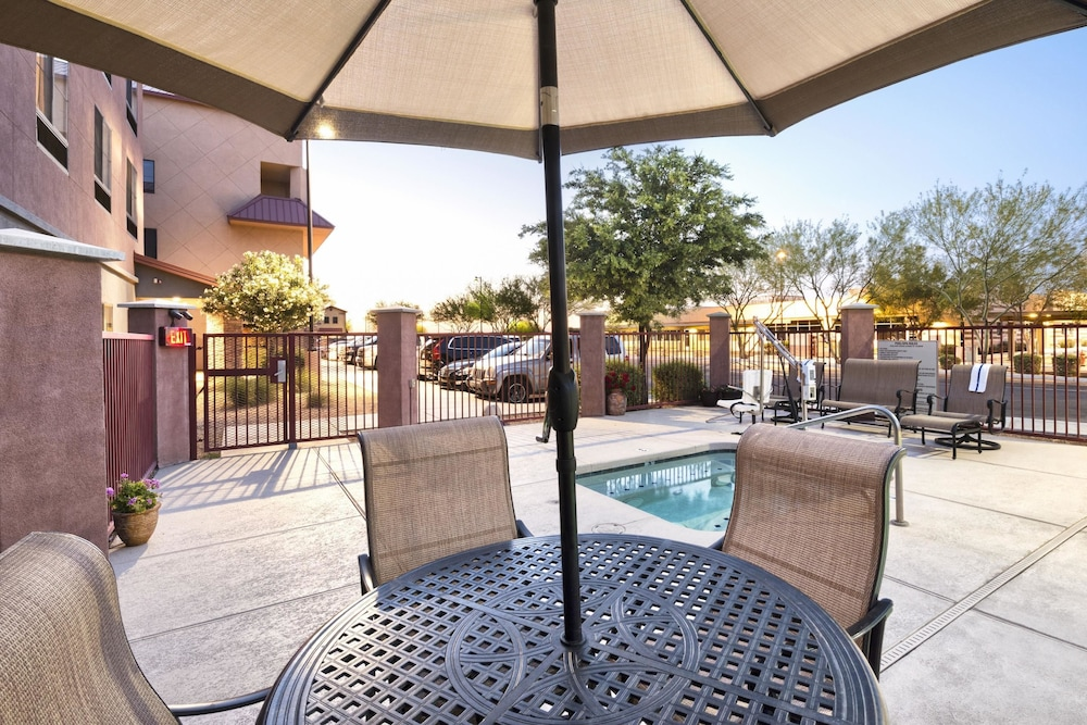 Pool, Comfort Suites Goodyear