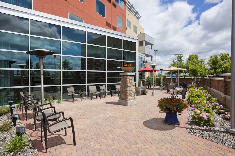 Terrace/Patio, Courtyard by Marriott Minneapolis Maple Grove/Arbor Lakes
