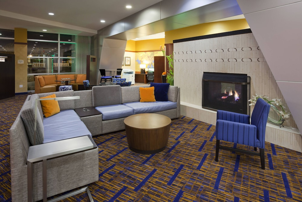 Lobby, Courtyard by Marriott Minneapolis Maple Grove/Arbor Lakes