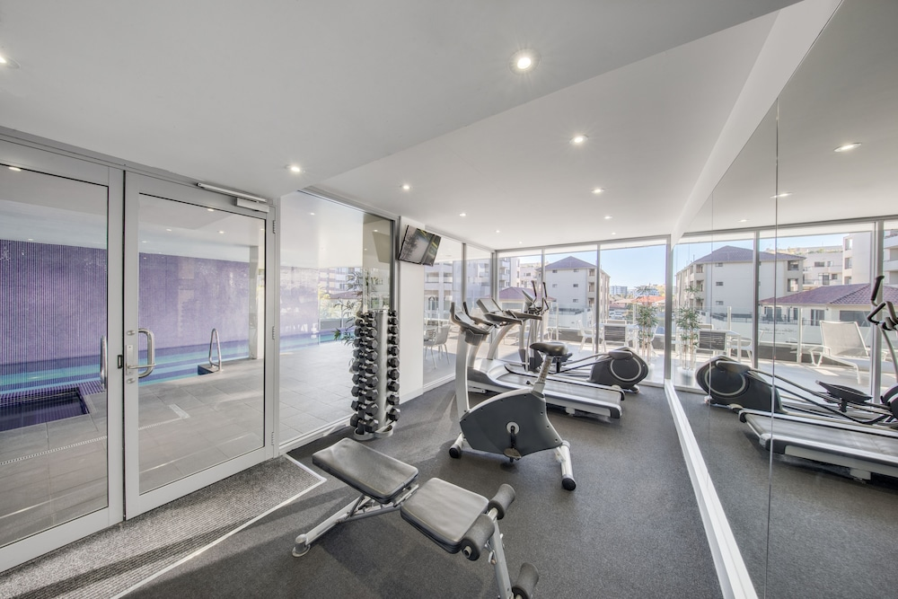 Gym, Adina Apartment Hotel Wollongong