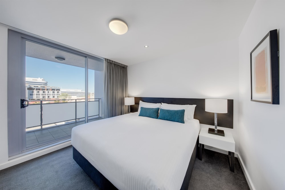 Room, Adina Apartment Hotel Wollongong