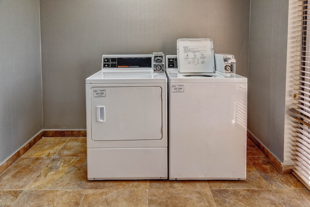 Laundry Room, Four Points by Sheraton Memphis Southwind