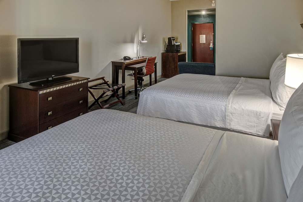 Room, Four Points by Sheraton Memphis Southwind