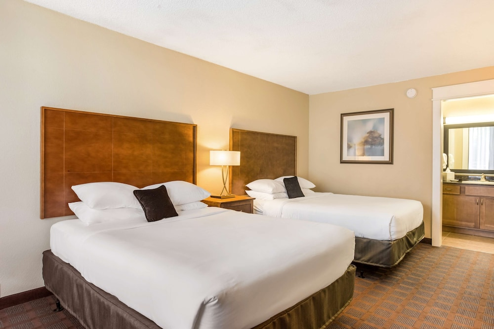 Room, Red Lion Inn & Suites Branson