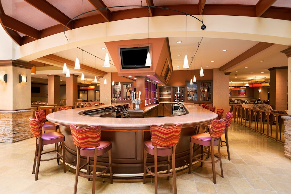 Bar, Embassy Suites Norman - Hotel & Conference Center