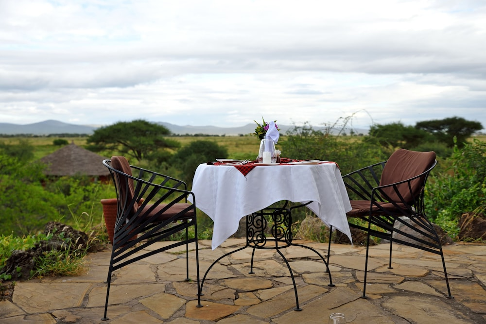 Couples Dining, Kia Lodge