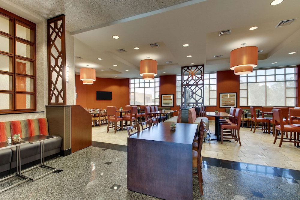 Breakfast Area, Drury Inn & Suites Meridian