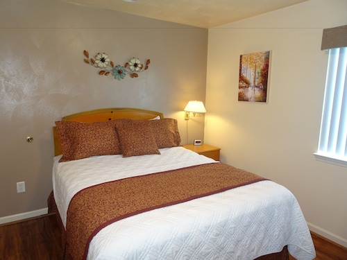 Great Place to stay Affordable Corporate Suites near Statesville