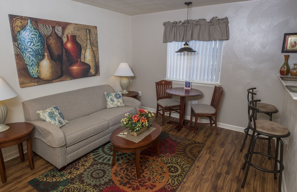 Affordable Corporate Suites Deals Reviews Statesville Usa Wotif
