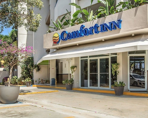 Comfort Inn & Suites Levittown