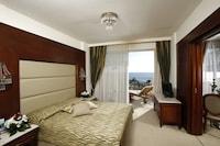Aquamare Beach Hotel & Spa (4 of 53)