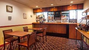 5 restaurants, breakfast served