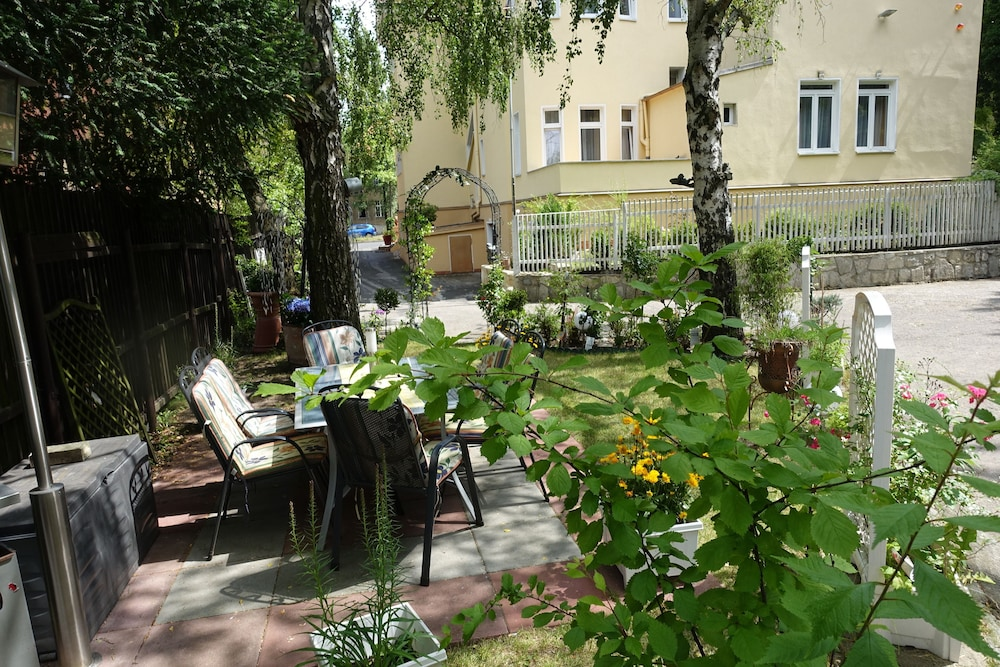 book hotel villa konstanz berlin hotel deals. Black Bedroom Furniture Sets. Home Design Ideas